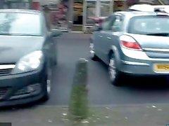 Británico flaco Leyla parpadeando en Londres