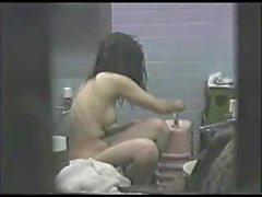 JP Peeping отверстие в ванной девочек - 2 из 3
