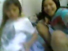 filles indonésiennes seins clignotante