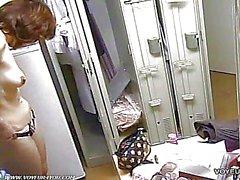 Bespitzelung Nackte Mädchen in der Umkleide