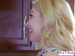 Lesbiche intime - Guarda Alix e Aaaliyah mangiare ogni piccola figa bagnata