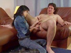 Kinky chico le gusta ser dominado por córnea morena niñas sexy