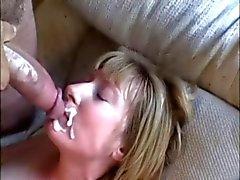 Peluda Redhead Casal Milf Tabitha Finalmente Obtém It In The Ass