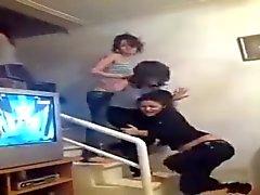 meninas árabes mostra correias enquanto eles dançar 2,015
