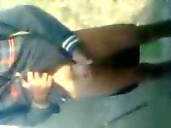 Rapaz arabe wanks eo cums por na frente dos amigos