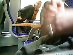 hon fångade mig onanerar i tåg