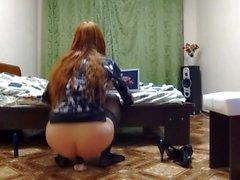 Venäjäksi CD ratsasti dildoa