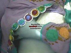 Desi Rajisthani сексуальная девушка в показывает ее милый kabutar к ней доменной печи от валин