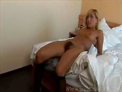Behaarte Blondine Reinigungs gebumst