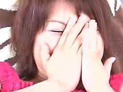 Houkuttelevat japani girl with pirteä boobs tutustuu le