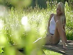 Blondie красоту от Sweden касания клитора