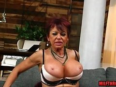 Gros seins Sexe MILF avec éjac