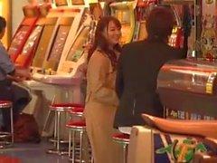 Marina Shiraishi riesige Boobs Mädchen haben Sex im Freien