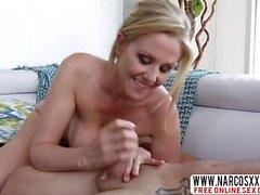 Luottaen Step-äiti Julia Ann Loves Mega Cock