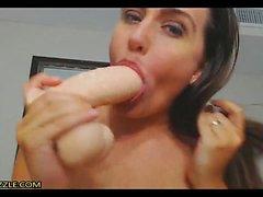 Heiße Amateur Brünette Pussy Arsch toying 01