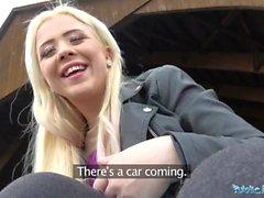 Public Agent Outdoor sex med ryska teen Anna Rey