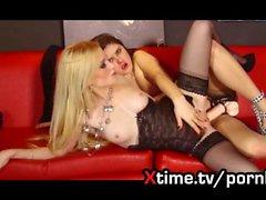 Awesome lesbischen Sex Hot blonde & böse russische Mädchen