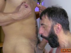 muskel gay oralsex och cumshot video funktion 1