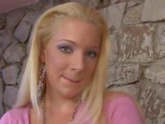 Hot & Sexy Blonde liebt BBC in ihrem Arsch