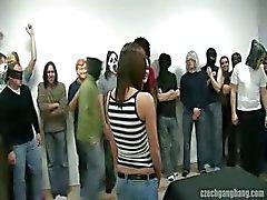 garota peituda em checo festa do golpe do grupo