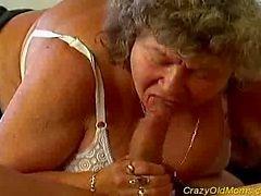 Crazy oude moeder krijgt grote lul mondeling en in haar kut diep