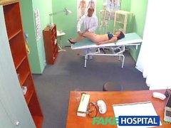 FakeHospital Beautiful Vietnamesiskt patienten får läkare ett sexuella belöna