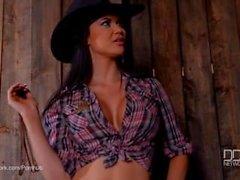 Jasmin Jae in Cowgirl Dominatrix hardcore männlich Strafe