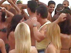 Brazilian Carnival Orgy drei !