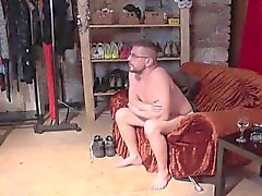 Moulage inversée - sexy de de MILF essais les compétences du léchage d'un mec à