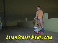 Freier Sex mit asiatischem Diener