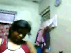 Мышечной Hyderabadi с девушкой Рия показывает ее сиськи на вебкамеру