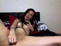 Hot brunette camgirl enjoy toys insde anal li