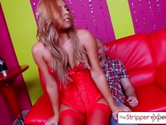 Опыт Stripper - Джанна Николь трахается огромным петухом, большой добычей