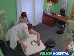 FakeHospital Dar sıcak ve yağmurlu hastaların bir beğeni ile inler