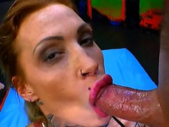 Calisi tinta Tetona tatuada bebé Gangbanged - German Goo Girls