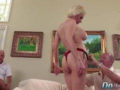 Blonde MILF esposa big cock anal creampie
