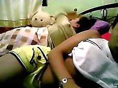 Ado Philippine montrer son corps Partie - de 2