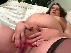 A dona de casa gravida que Cums embora Apontar para