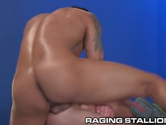 RagingStallion Monster Cock ruiva fode