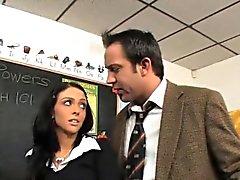 Stephanie Cane Sınıf An A To Get Her Pussy kullanır