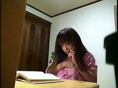 dama japonesa caliente con un precioso culo dedos y su melocotón