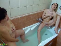 OldNannY Teen Ficken Hot Grandmom mit Strapon