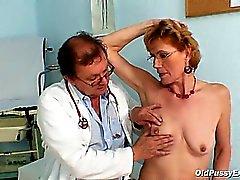 Classy старушка Мила необходим клинике обследование гинекомастии