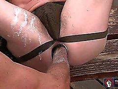 Antonio opere il suo il pugno grassi dentro e fuori di Jackson disposti