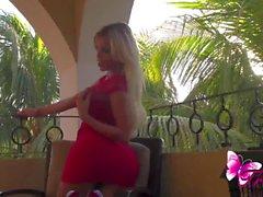 Красное платье черт Аны Манчини