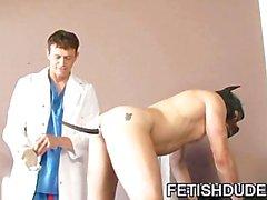 Medico Protetto DILF umiliare il suo cliente