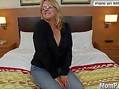 Роговой старуха действительно первому порно