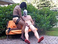 Sex in the Garden Hannover Kiss Suck Blow Legjob Nylon