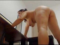 Pussy Arsch und curvy nackt Mädchen