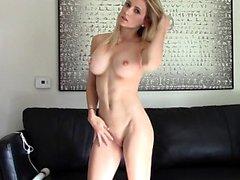 Masturbieren Viet Mädchen große Titten und haarige